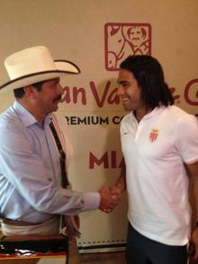 Juan  Valdezカフェ マイアミにオープン!